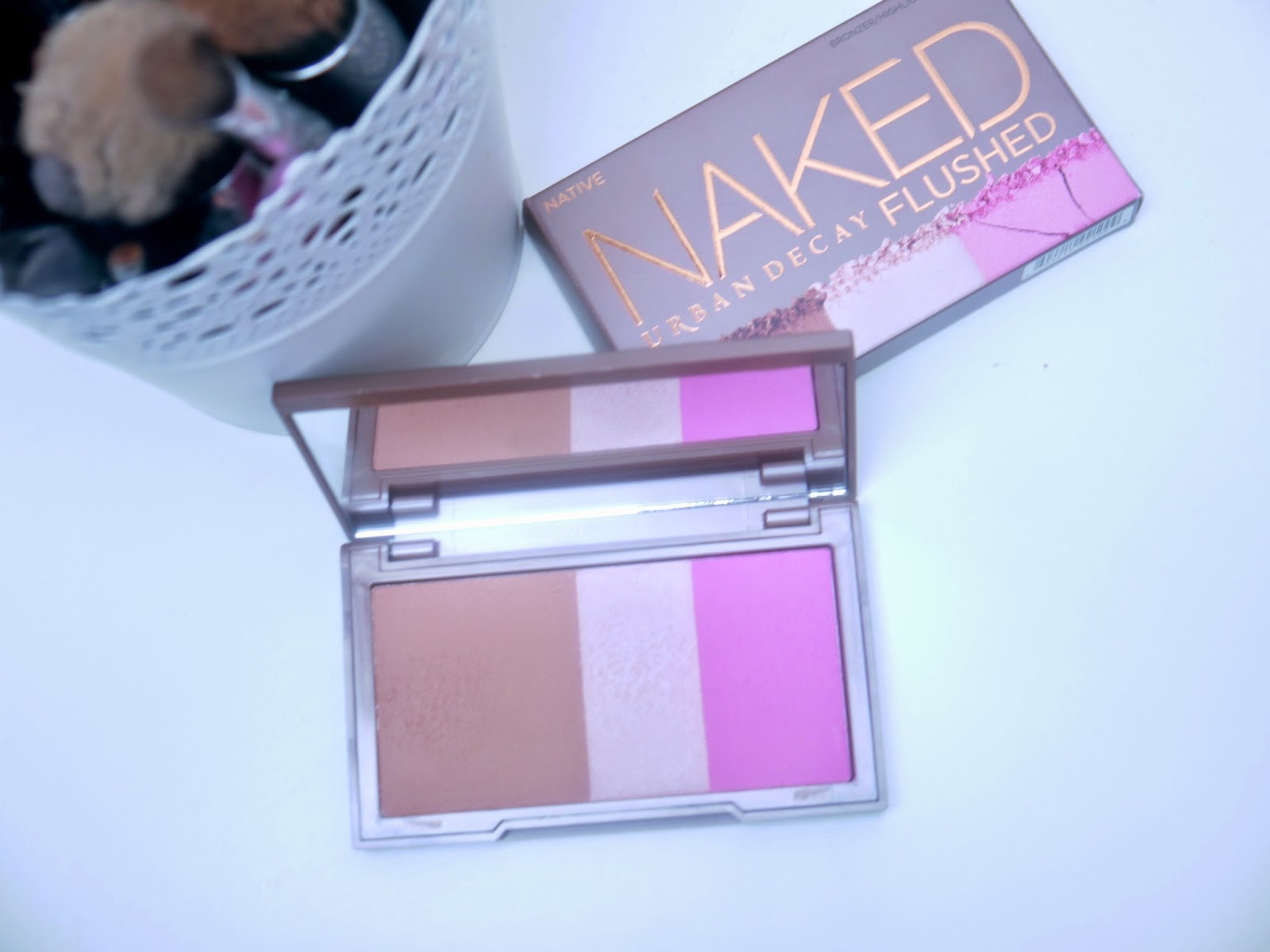 Urban Decay Naked Flush Native - http://kirstyleighx.blogspot.co.uk