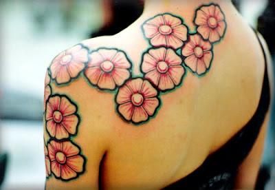 Tatuaje de Flores estilo Japonés