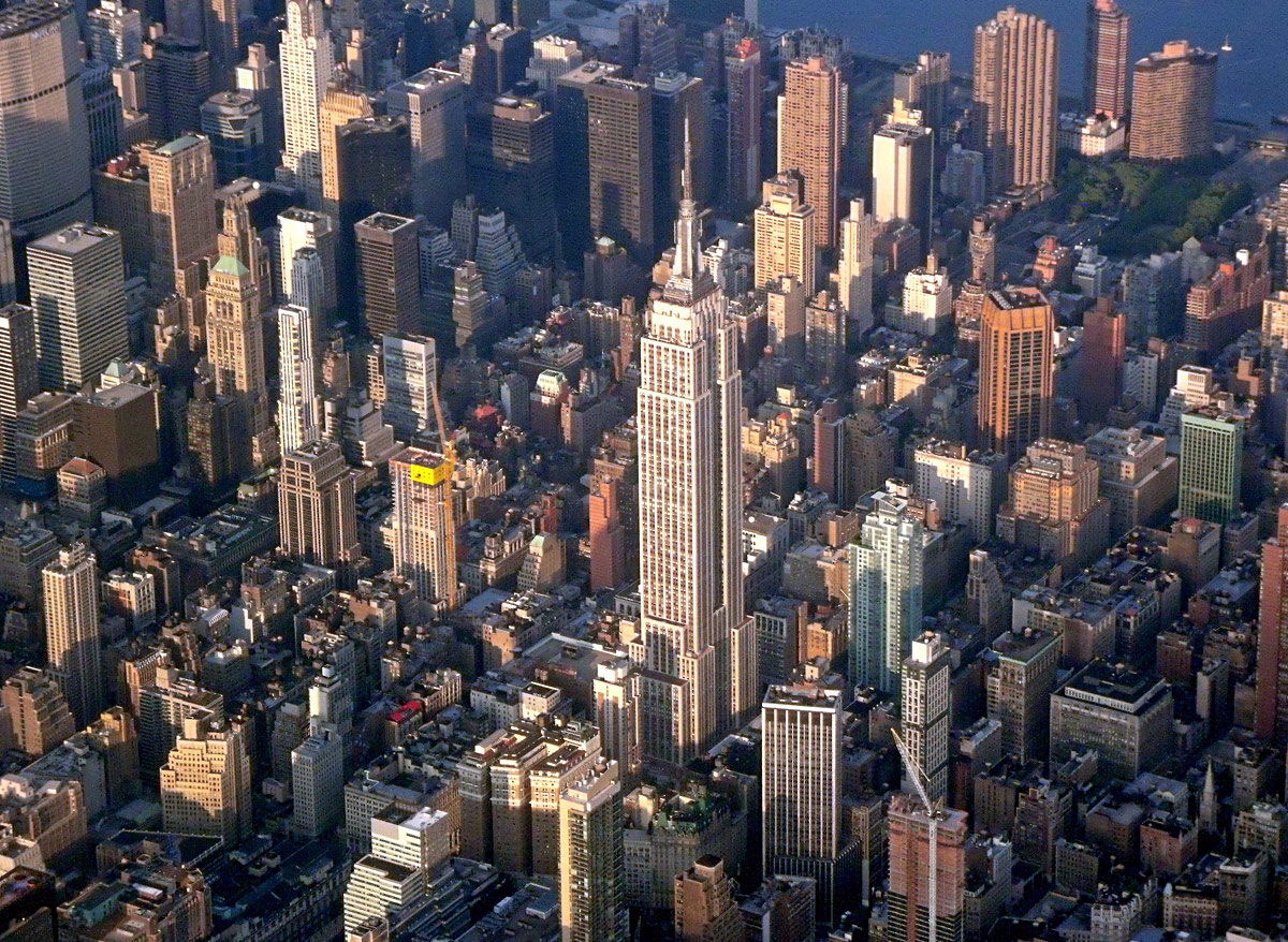 http://1.bp.blogspot.com/-RtYuSG9UwHg/UEPyYRgkceI/AAAAAAAAHFk/hWgiMEOdNZA/s1600/Empire_State_Building.jpg