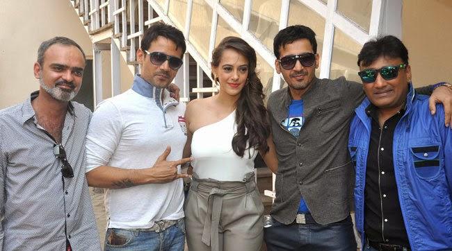 Dharam Sankat Mein Hindi Movie Hd Download