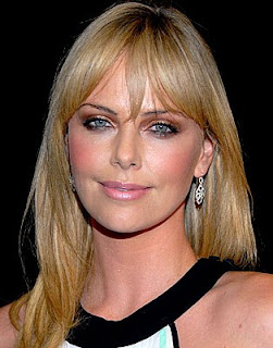 charlize theron flequillo