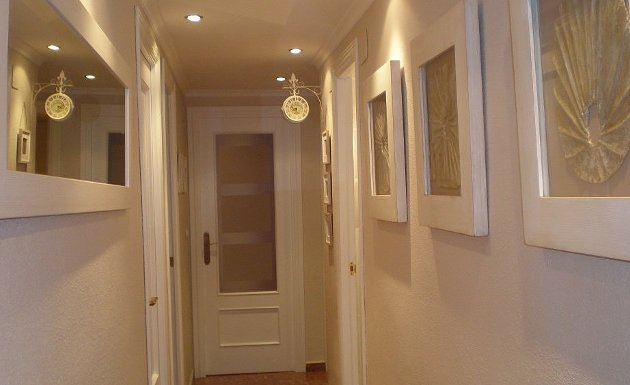Bg propiedades tips para el hogar decorar pasillos for Colores pasillos interiores