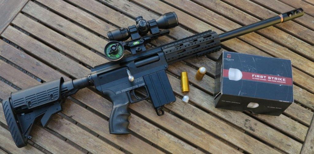 Снайперский пейнтбольный маркер.