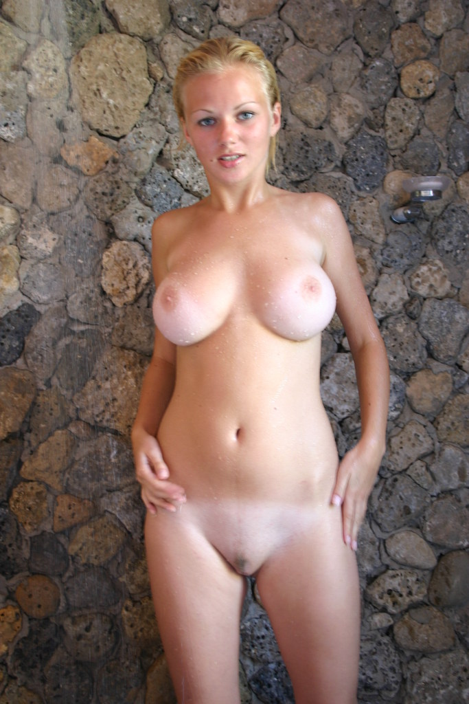 busty taking cloths off