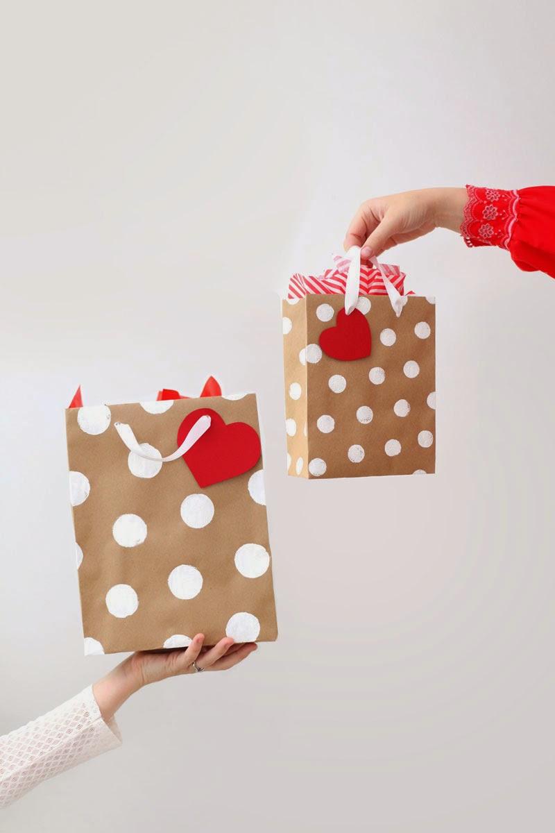 dyi regalos detalles navidad envoltorios caseros estampados bolsa marron sellos lazos wrap wrapping papel cmo envolver