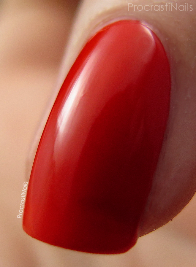 Macro of the redish orange Nicole by OPI My Claim to Flame