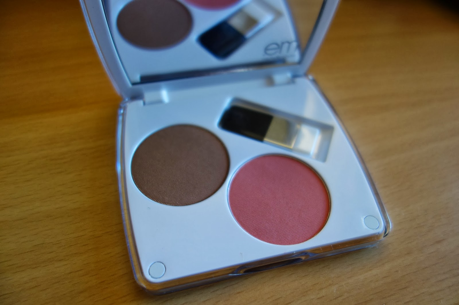 em / shade play artistic cheek color palette