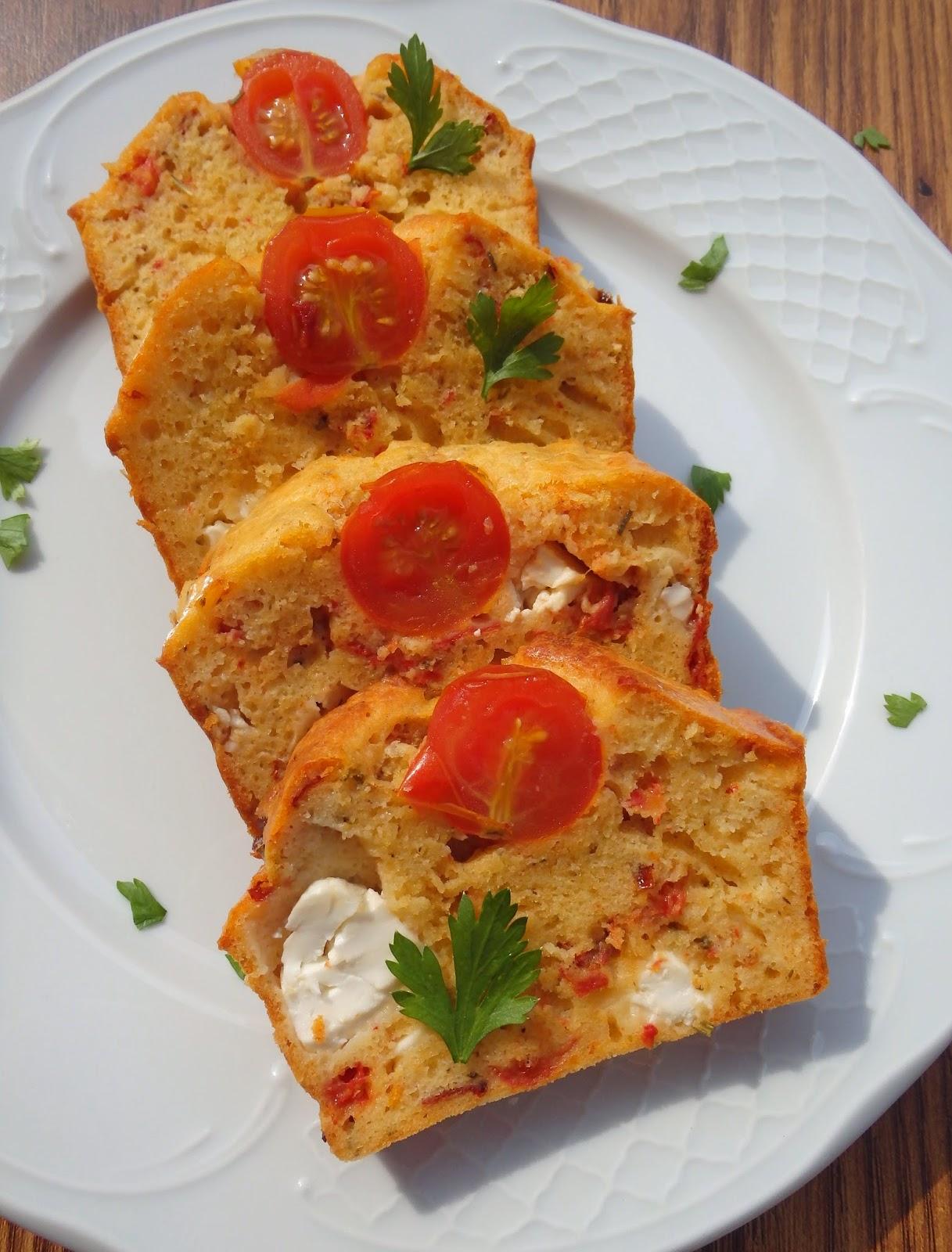 Pastel salado de tomates confitados y queso feta  2