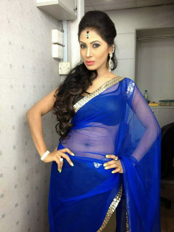 unsatisfied aunty saree change without blouse spicy stills ...