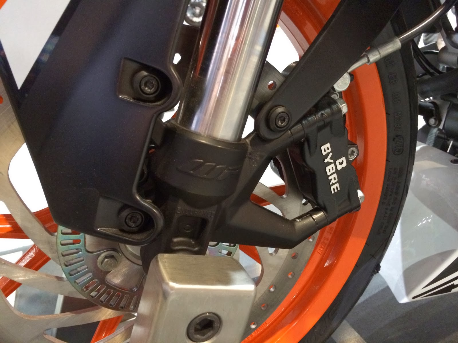 KTM RC 390 2014 front brake