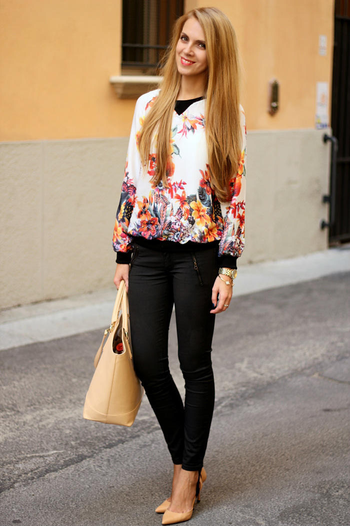 floral top, black waxed jeans, zara nude bag shoes