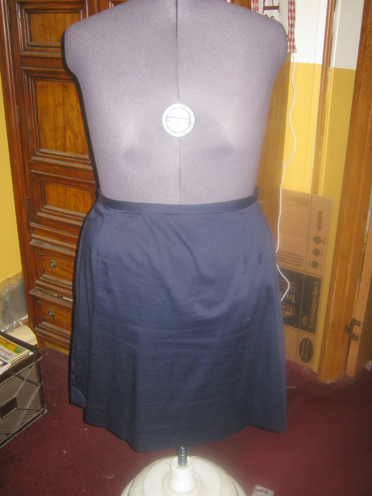 McCall's 3588 Straight Skirt Blue Twill www.sewplus.blogspot.com
