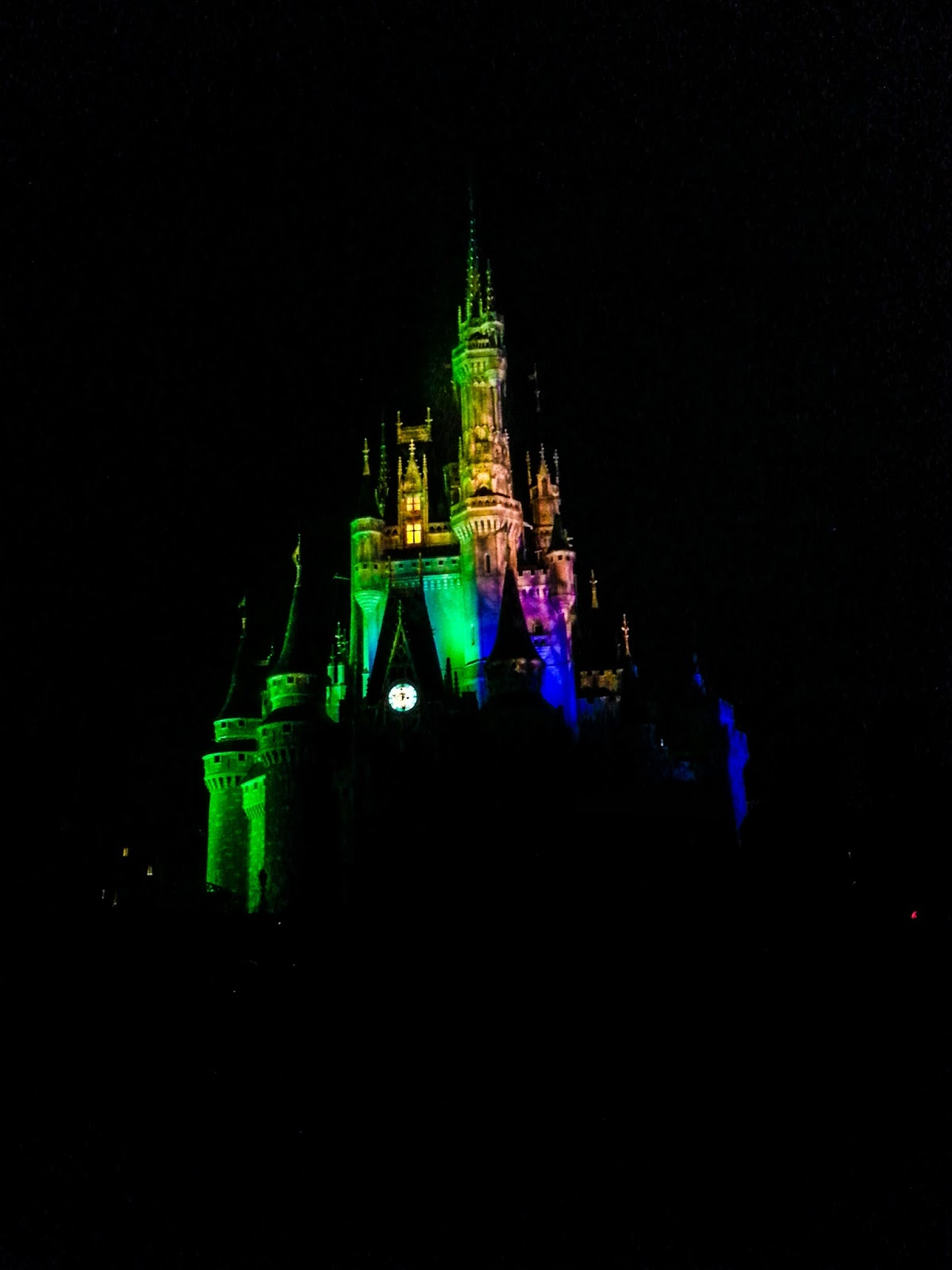 Disney Darling Diva: Review: Mickey's Not So Scary Halloween Party ...