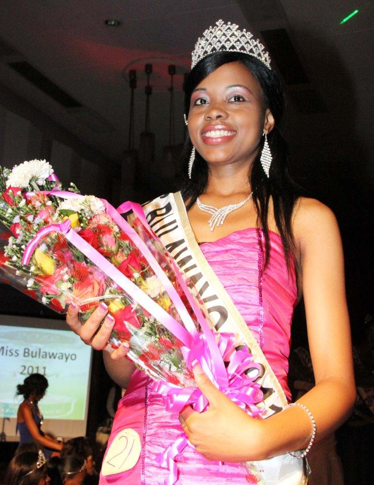 Miss Zimbabwe 2012 winner Bongani Dlakama