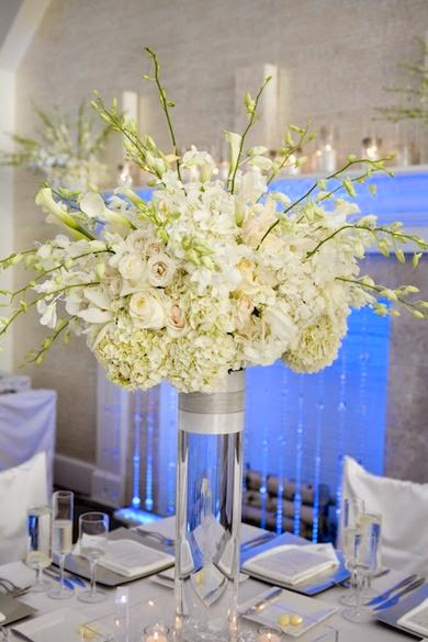 gorgeous white flower wedding centerpieces