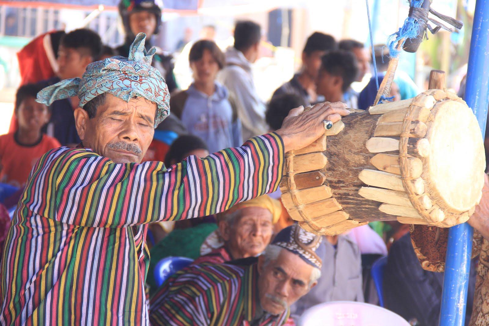 Pemukul Gendang Mangaru
