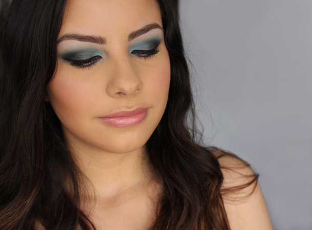 nars malacca duochrome teal green brown eyeshadow makeup look