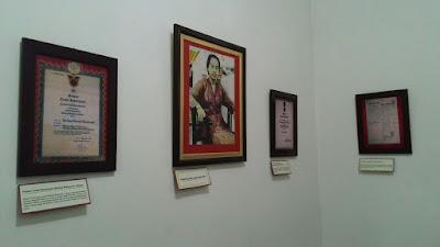 Koleksi Foto di Rumah Bersejarah Inggit Garnasih