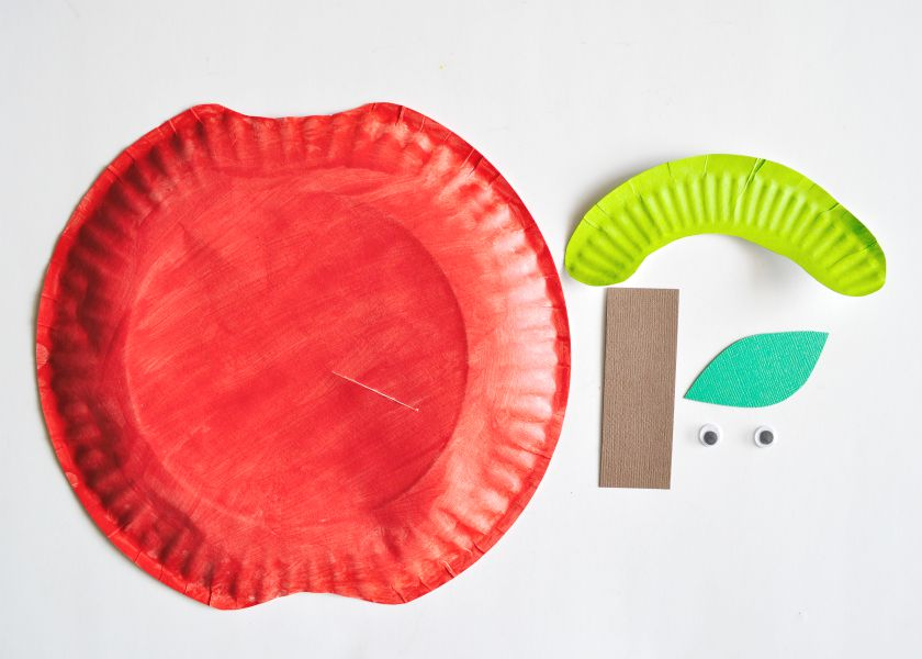Paper Plate Apple Craft & Paper Plate Apple Craft | I Heart Crafty Things