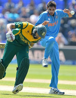 Hashim-Amla-Bhuvneshwar-Kumar-India-vs-South-Africa-ICC-Champions-+Trophy-2013