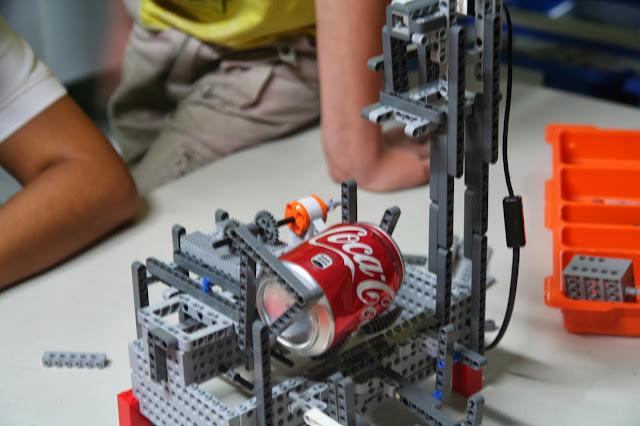 Proyecto final rob tica cine del sur dispensador de - Dispensador de latas ...