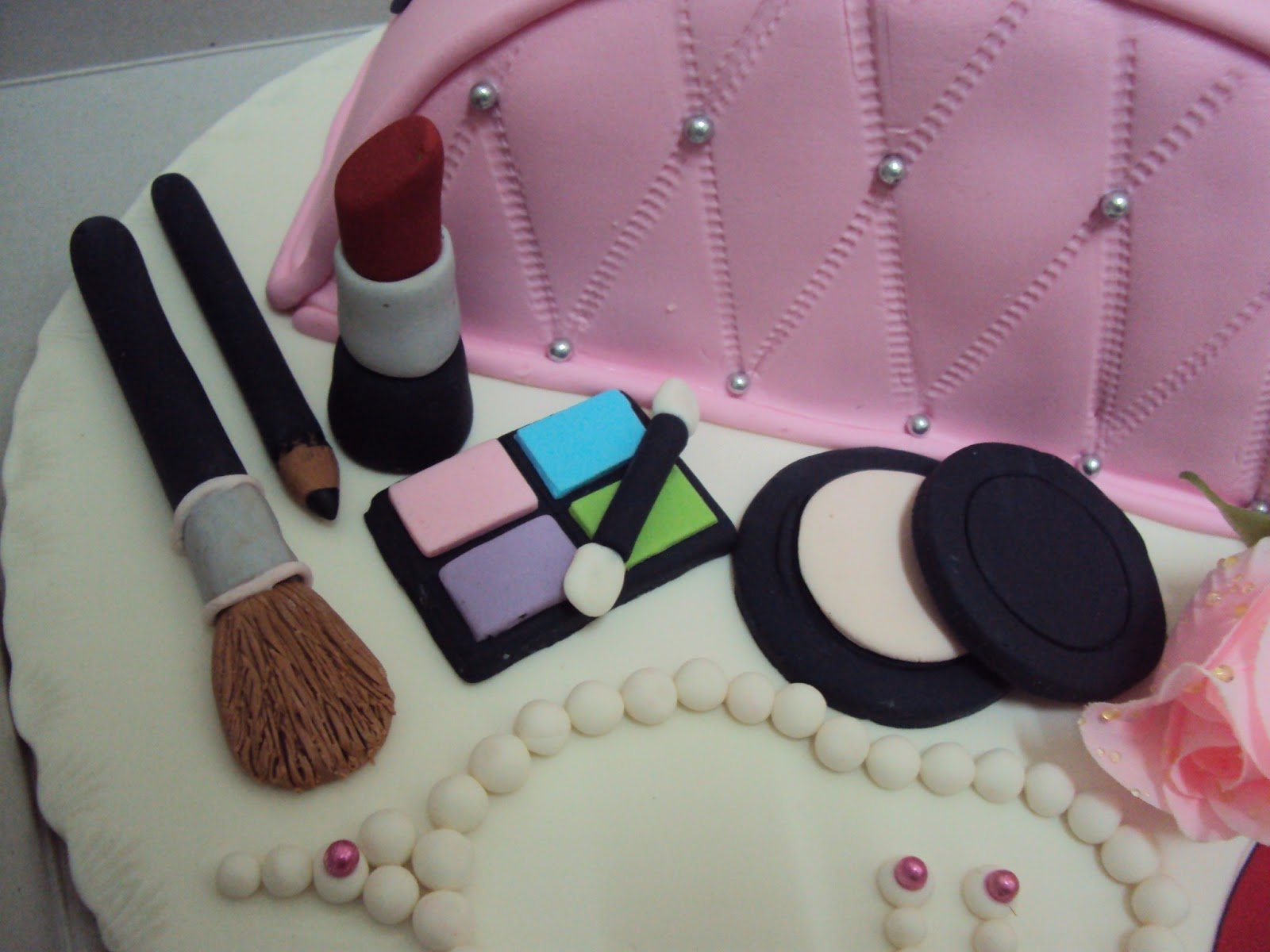 fondant cakes makeup related