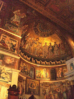 Inside The Church of Santa Maria (S. Maria in Trastevere), Rome - How to see Rome in a hurry, our Two day sightseeing whirlwind!
