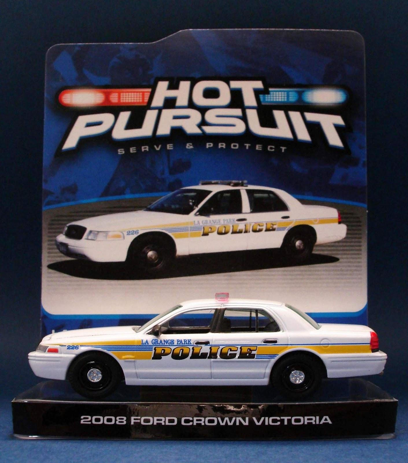 Diecast Hobbist: 2008 Ford Crown Victoria