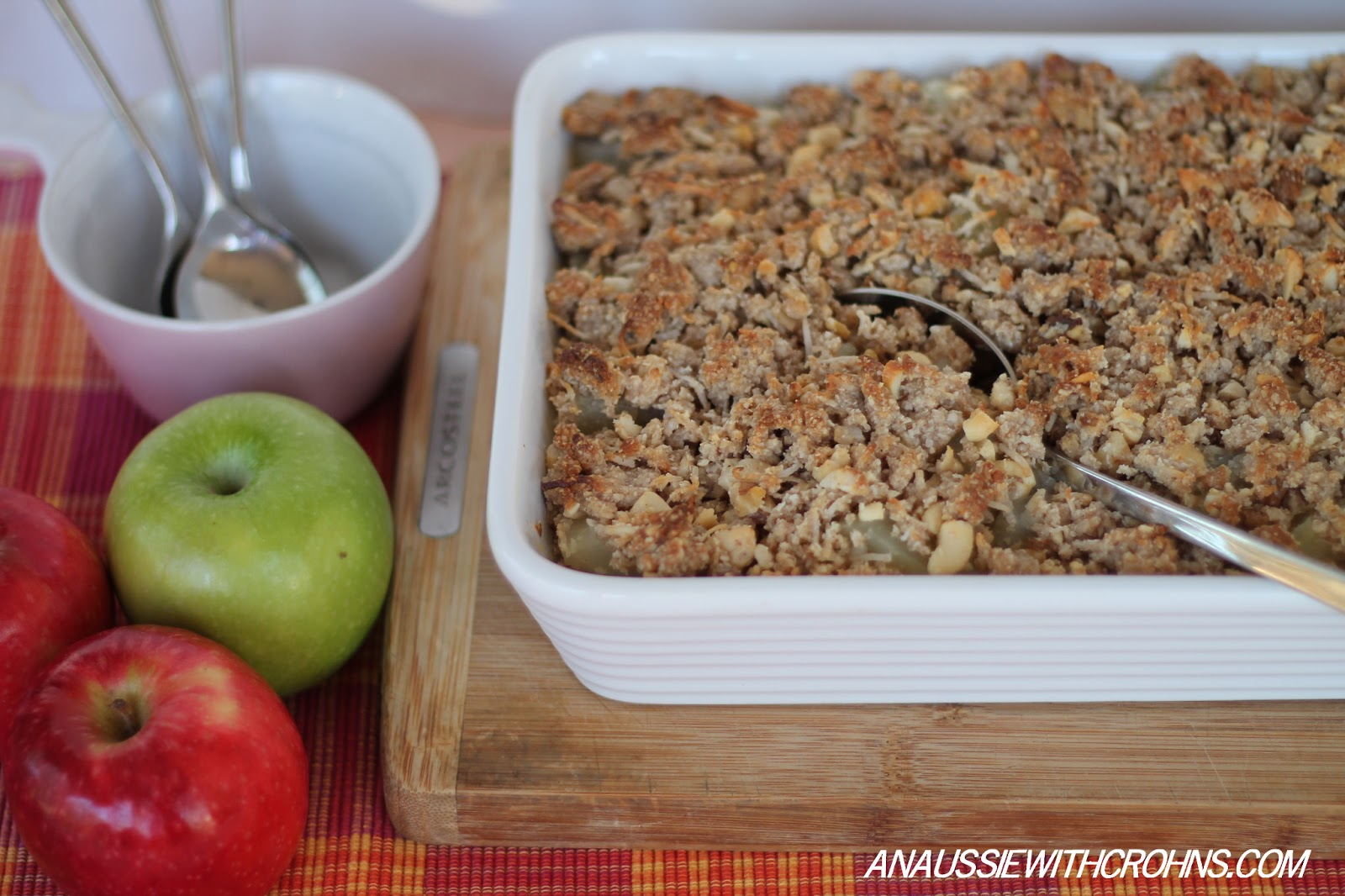 easy apple crumble isn t apple crumble the easiest and most satisfying ...