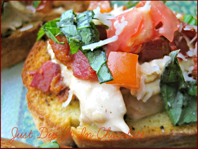 Alfredo and Pesto Chicken Bruschetta Recipe, this Italian classic appetizer is made with leftover chicken and bread! oh yeah!..made an entire new meal by adding a few extra ingredients and Bacon!