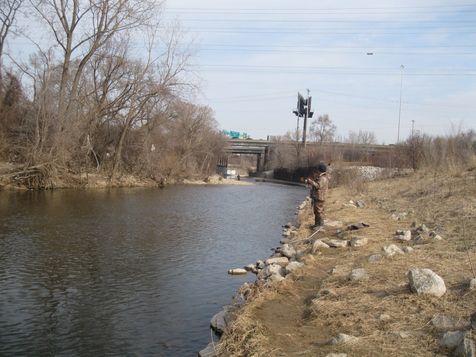 Milwaukee wi steelhead report the frugal fisherman for Milwaukee river fishing report