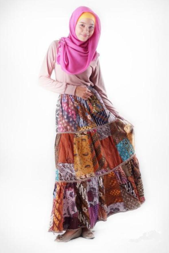 Ratu Ponsel Model Rok Terbaru rok panjang batik