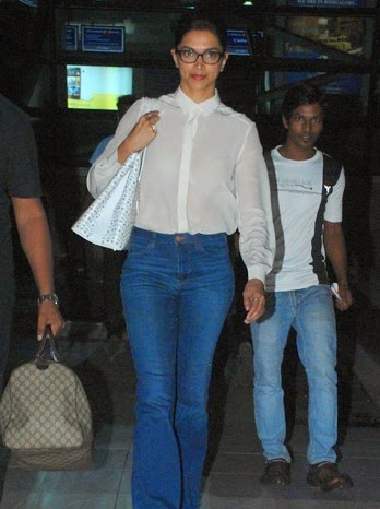 Deepika Padukone, Reteish  & Ileana DCruz snapped at the airport