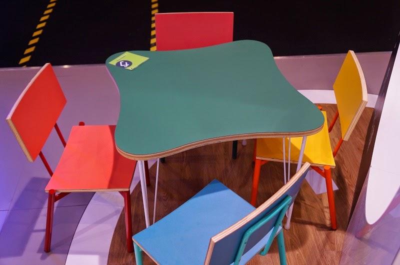 Cadeira Twist Mini e Mesinha Theo - Formica - designer Fernando Jaeger - Expo Revestir 2015
