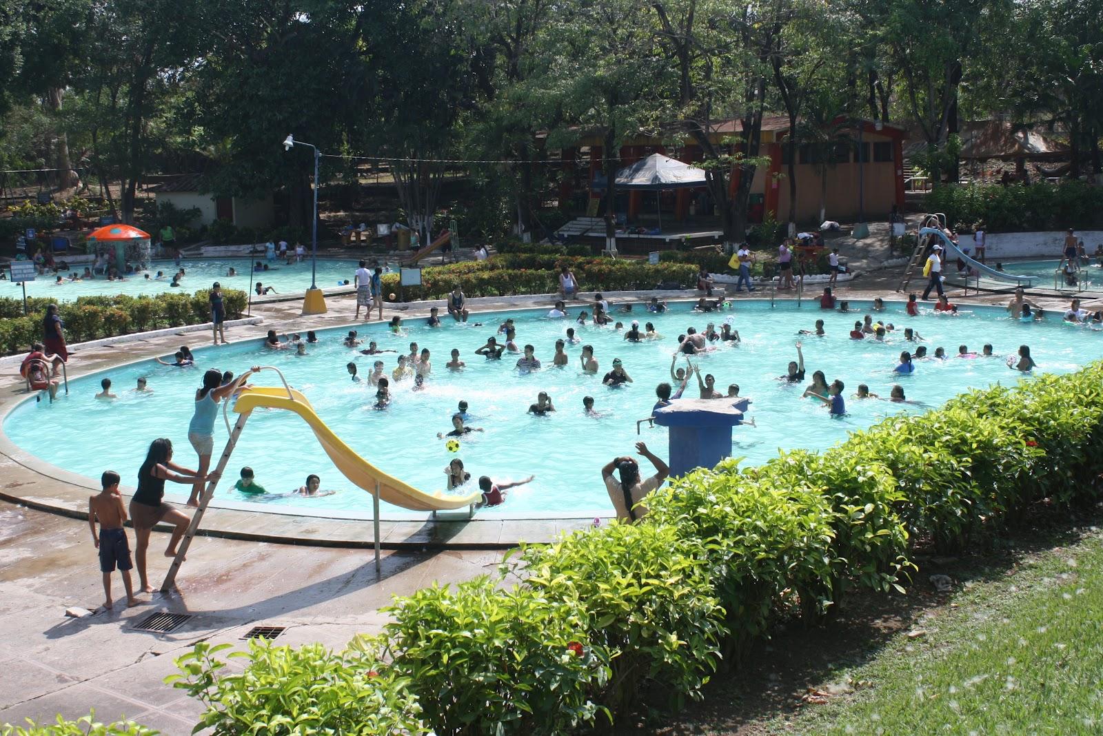 Parque acu tico altos de la cueva san miguel llegando for Go fit piscinas san miguel telefono