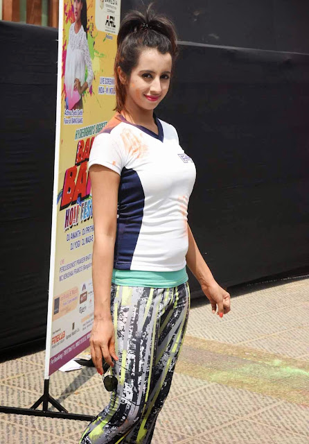 Sanjjanaa Galrani  Holi Celebrations at Novotel el 3.jpg