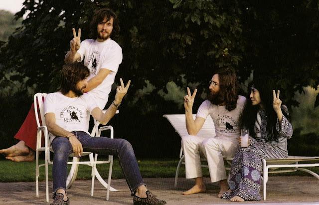 Eric Clapton - Page 2 Eric+Clapton,+Klaus+Voormann,+John+Lennon,+Yoko+Ono