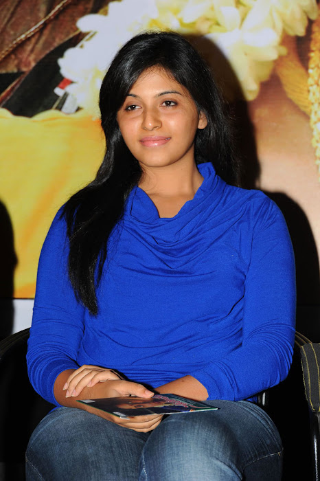 anjali beautiful looking actress pics