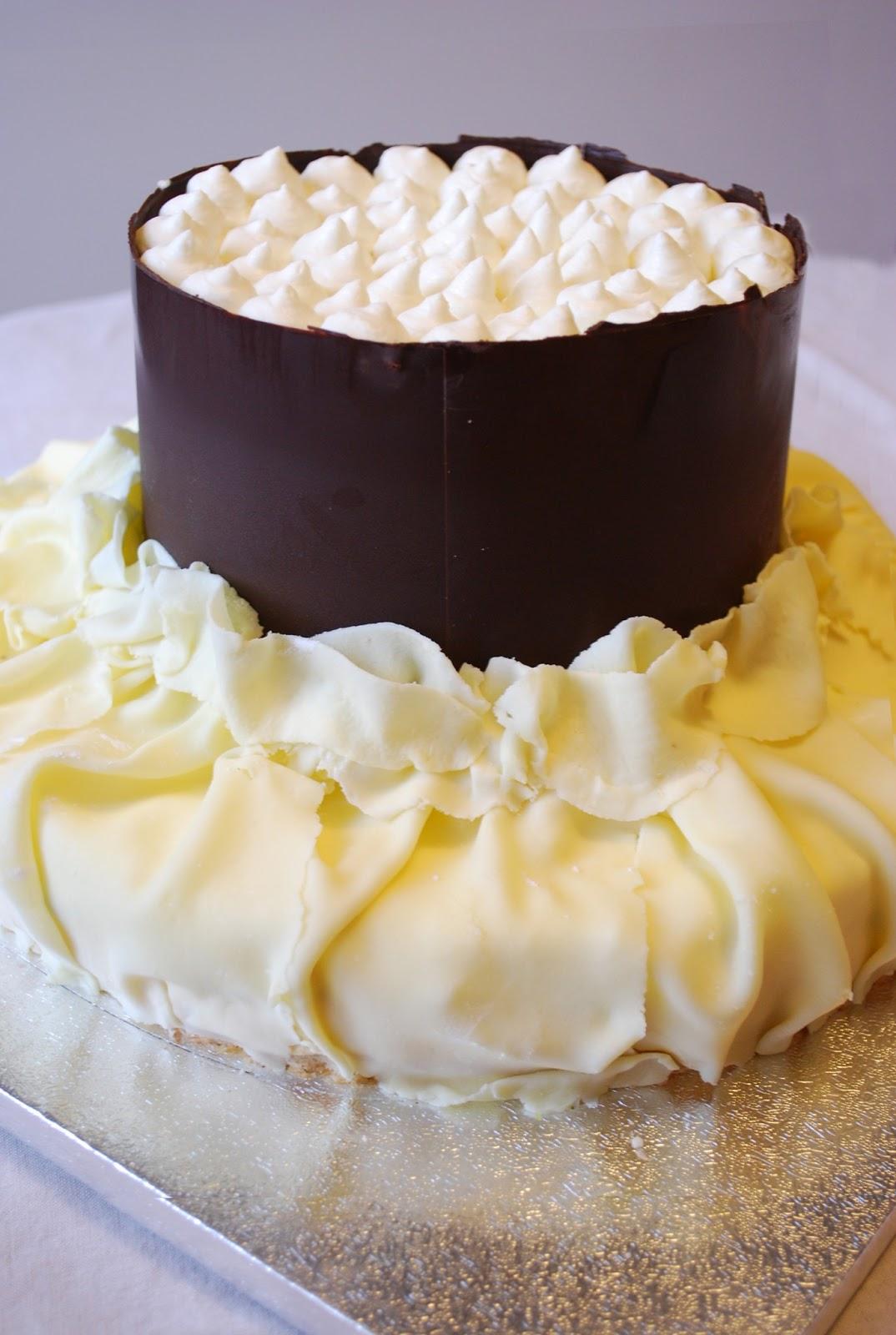 La signora dei biscotti torta bavarese a due piani for Cianografie a due piani
