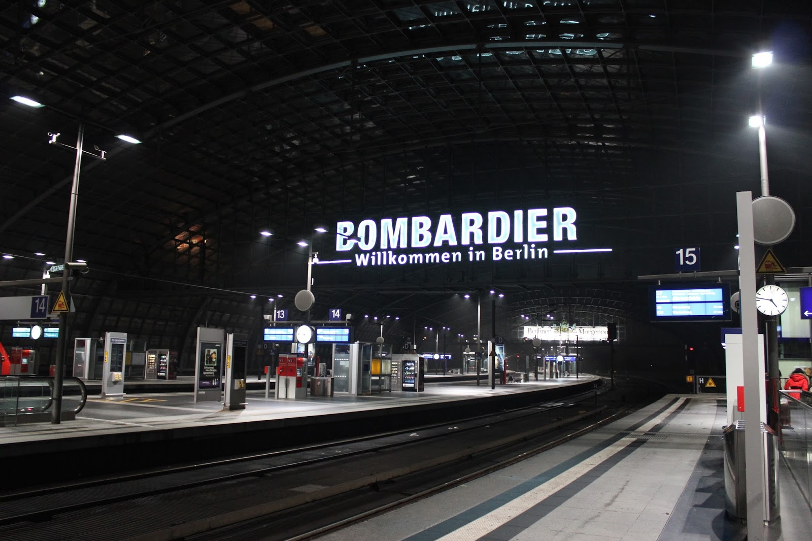 Jalan-Jalan di Berlin, Jerman-9 berlin hauptbahnhof bombardier