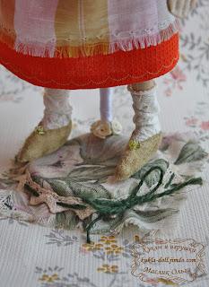 "<img src=""http://maslik-kukla.blogspot.com/2012/09/tykvogolovaya-tekstilnaya-kukla.html#more"" alt=""тыквоголовая текстильная кукла 2. купить куклу″ />"