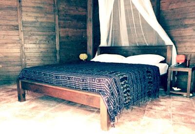 tempat tidur hotel ayu karimun jawa