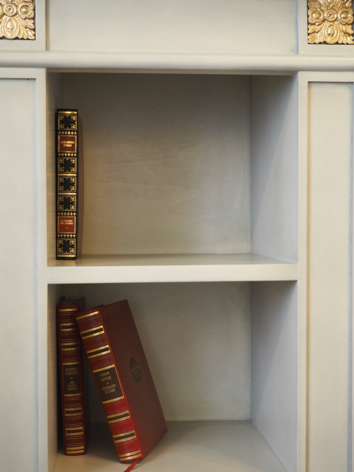 bookcase in Saint-Honore-Suite, Hotel Westminster, Paris