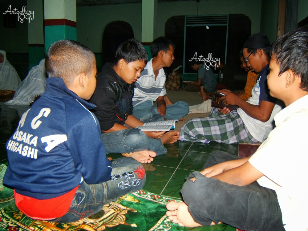 Recite the Koran in Kunci Cahaya