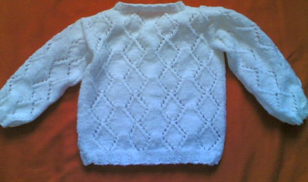 Knitting Galore: Little Girls Lacy Diamond Cardigan