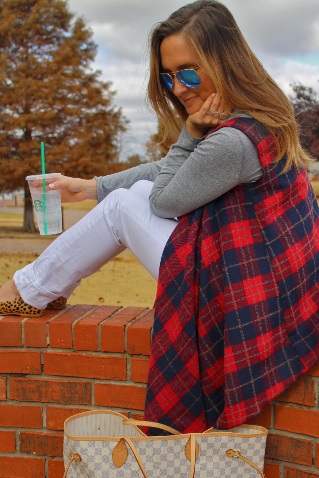 buffalo plaid, plaid vest, red plaid vest, jen kubes, jennifer kubes, shopriffraff, riffraff, what to wear after baby, what to wear postpartum, what to wear this winter, buffalo plaid vest, red and navy