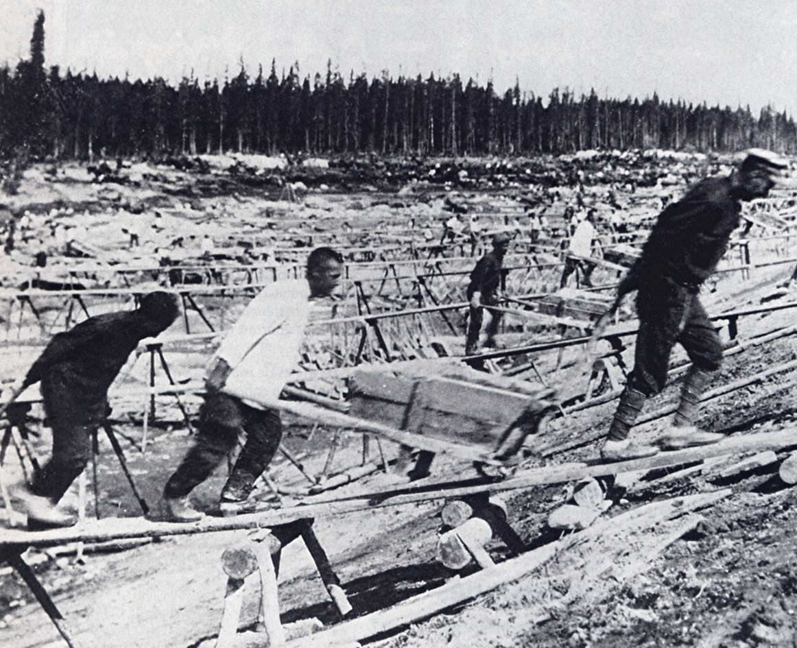 russian gulags German labor camps vs the soviet gulag 11-18-8 today's major industrial cities of the russian arctic such as kolyma and magadan, were camps originally built by prisoners and run by ex-prisoners.