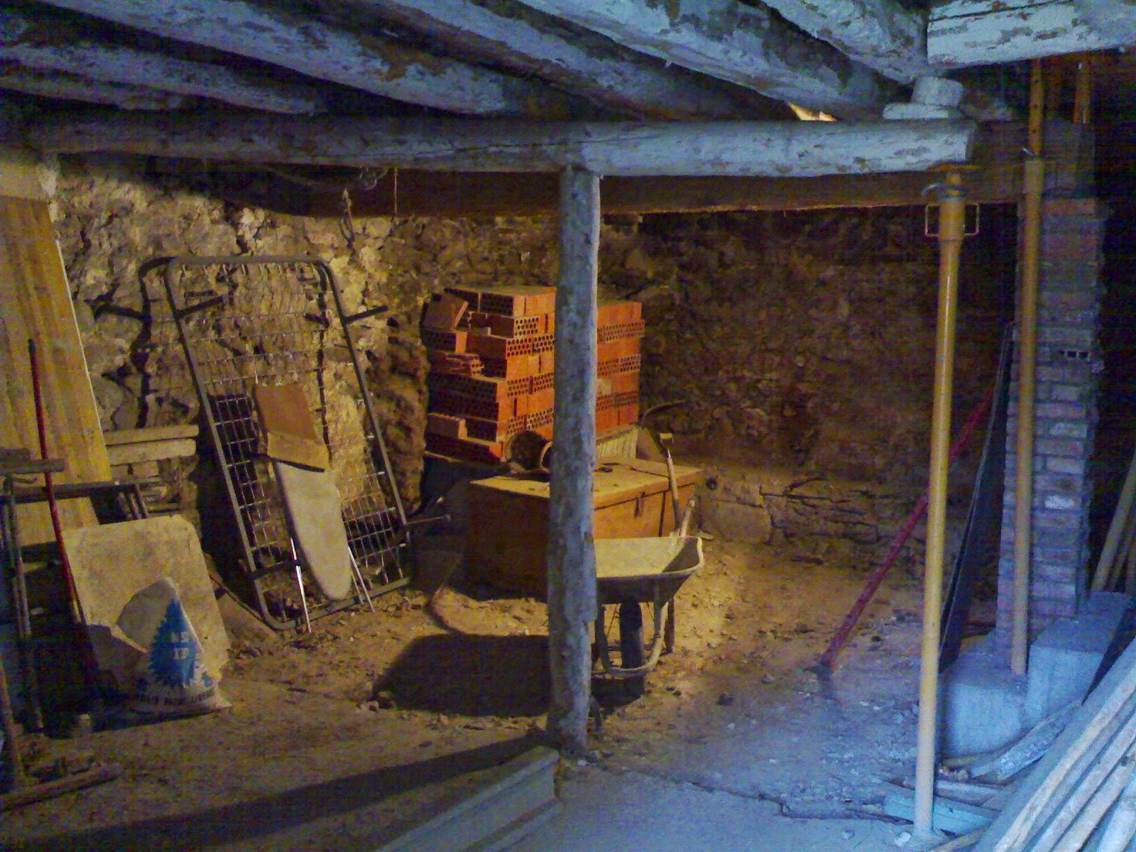 Derribo planta baja antigua quiero reformar mi casa - Vigas de madera antiguas ...