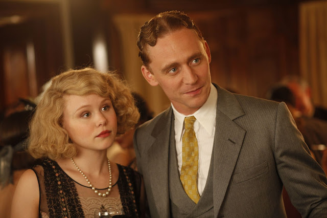 alison pill and tom hiddleston as zelda and f. scott fitzgerald in midnight in paris