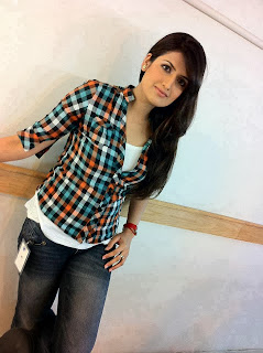 latest and unseen hot desi girls pictures